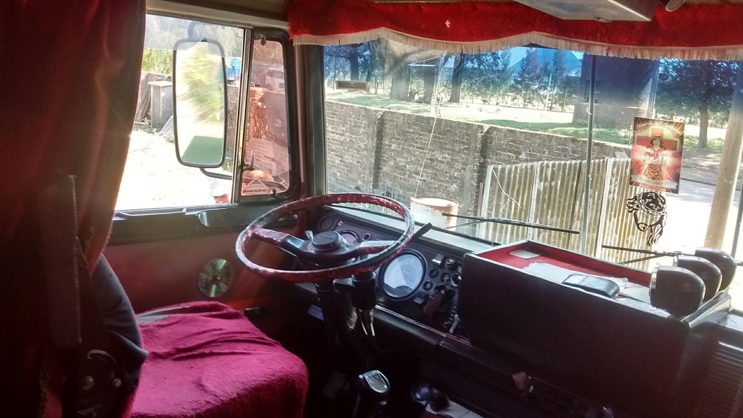 Fiat Iveco 619 enganchado con acoplado Gross
