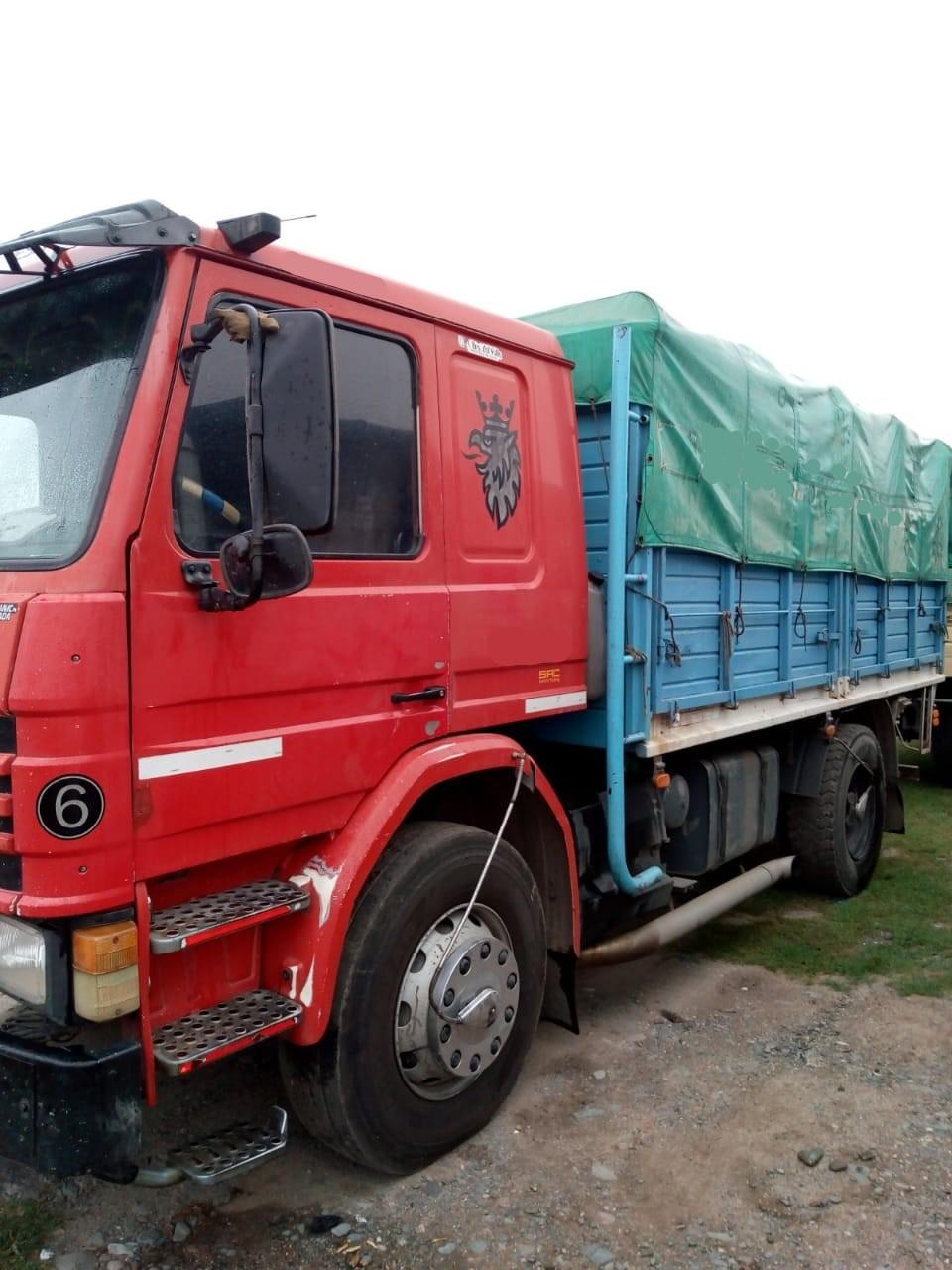 Scania..210…1995.. Carrozado… Permuto 950.000