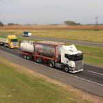 Restricción para circular con camiones este fin de semana largo.